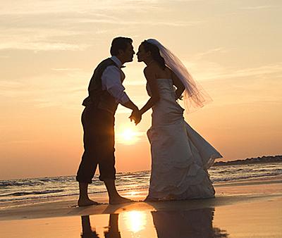 _editor_wedding_couple_on_beach